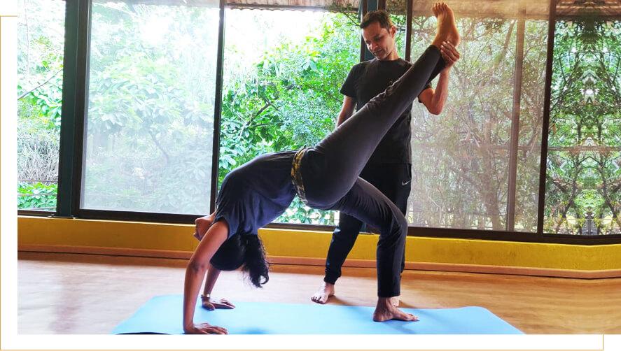 Eka pada Chakrasana yoga picture pose