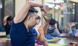 01 Daily yoga classes